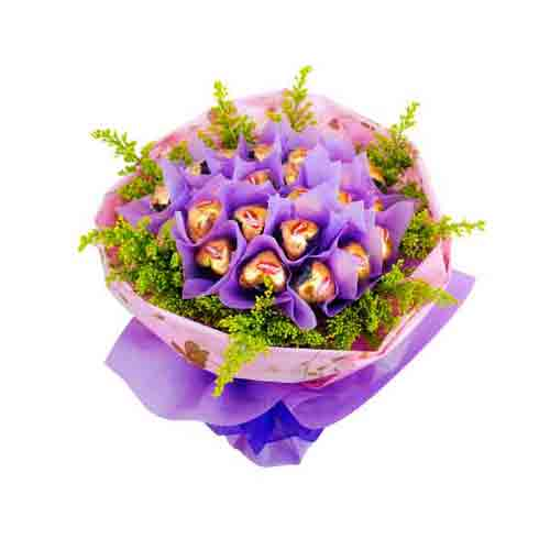 Toothsome Blooming Love Chocolate Bouquet <br/>